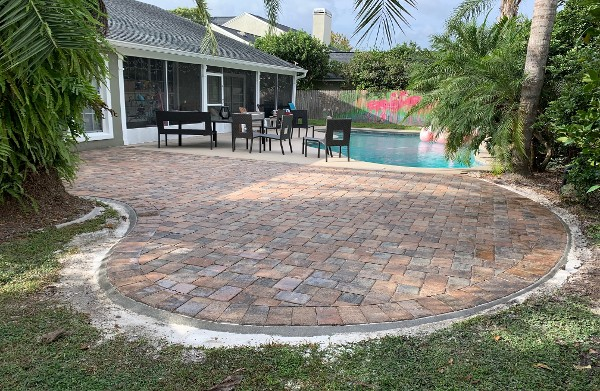 Pool and patio in Orlando, FL, successfully installed by Gold Star Pavers LLC.